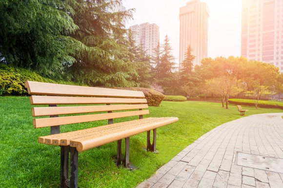 Entretien espaces verts professionnels Pont-Evêque